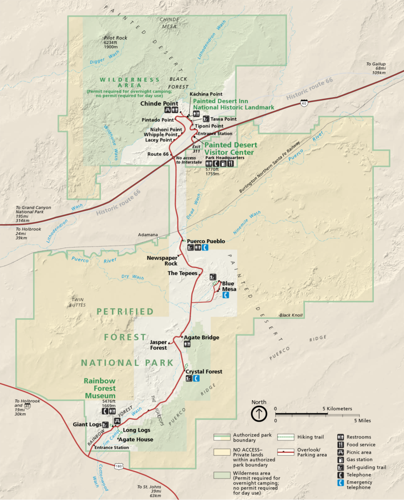 By National Park Service; converted from PDF to PNG format by User:Finetooth using GNU Image Manipulation Program (GIMP) software - official park map, Domena publiczna, https://commons.wikimedia.org/w/index.php?curid=11907421