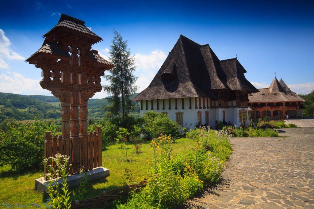 Rumunia. Barsana. Prawosławny kompleks klasztorny z cerkwią św. Mikołaja